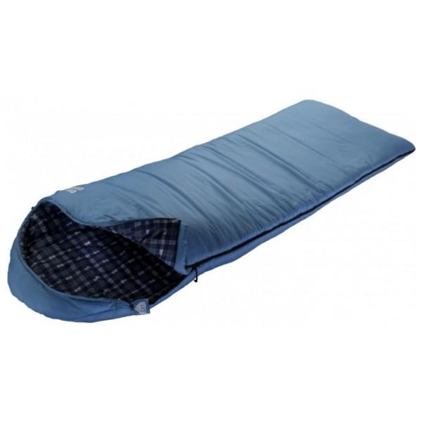Спальный мешок Trek Planet Celtic ComfortОчень комфортный, просторный и теплый 3-х сезонный спальник-одеяло с капюшоном Trek Planet Celtic Comfort имеет отличительную особенность: он чрезвычайно приятен в использовании, во многом, за счет мягкой внутренней фланели. Большой и уютный капюшон обеспечивает повышеный комфорт и тепло в холодную погоду. Спальник прекрасно подходит для походов и отдыха на природе в весенне-осенний период. К несомненным достоинствам спальника можно отнести усиленный полиэстер RipStop и его размер - спальник подходит для крупных и высоких туристов. Утеплен двумя слоями супер техничного 7-канального волокна Hollow Fiber.<br><br><br>Увеличенная ширина спальника,<br><br>Теплый капюшон с затягивающейся шнуровкой по периметру,<br><br>7-канальный наполнитель Hollow Fiber,<br><br>Внешний материал: усиленный полиэстер RipStop,<br><br>Внутренний материал: мягкая фланель,<br><br>Дополнительная плечевая затягивающаяся шнуровка,<br><br>Молния имеет два замка с обеих сторон,<br><br>Отдельная молния внизу спальника,<br><br>Термоклапан вдоль молнии,<br><br>Возможно состегивание спальников между собой,<br><br>К спальнику прилагается компрессионный чехол из прочного полиэстера OXFORD для удобного хранения и переноски с клипсами для легкого открывания чехла.<br><br>Вес кг: 2.45000000