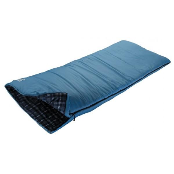 Спальный мешок Trek Planet CelticОчень комфортный, просторный и теплый 3-х сезонный спальник-одеяло Trek Planet Celtic имеет отличительную особенность: он чрезвычайно приятен в использовании, во многом, за счет мягкой внутренней фланели. Спальник прекрасно подходит для походов и отдыха на природе в весенне-осенний период. К несомненным достоинствам спальника можно отнести усиленный полиэстер RipStop и его размер - спальник подходит для крупных и высоких туристов. Спальный мешок также можно использовать как обычное теплое одеяло. Утеплен двумя слоями супер техничного 7-канального волокна Hollow Fiber.<br><br><br>Увеличенная ширина спальника,<br><br>7-канальный наполнитель Hollow Fiber,<br><br>Внешний материал: усиленный полиэстер RipStop,<br><br>Внутренняя ткань: мягкая фланель<br><br>Плечевая затягивающаяся шнуровка,<br><br>Молния имеет два замка с обеих сторон и расположена по двум сторонам спальника, короткой и длинной,<br><br>Термоклапан вдоль молнии,<br><br>Возможно состегивание спальников между собой,<br><br>К спальнику прилагается компрессионный чехол из прочного полиэстера OXFORD для удобного хранения и переноски.<br><br>Вес кг: 2.25000000