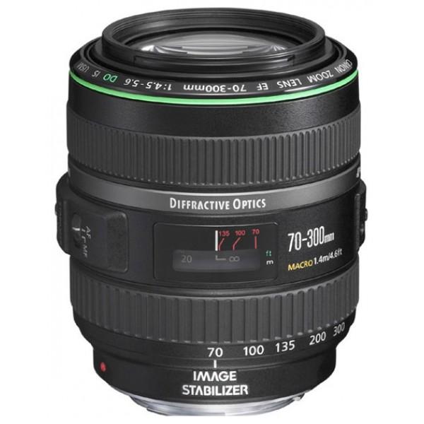 Объектив Canon EF 70-300mm f/4.5-5.6 DO IS USMZoom-телеобъектив, крепление Canon EF и EF-S, встроенный стабилизатор изображения, автоматическая фокусировка, минимальное расстояние фокусировки 1.4 м, размеры (DхL): 82.4x99.9 мм, вес: 720 г<br><br>Вес кг: 0.80000000