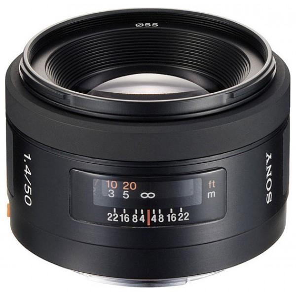 Объектив Sony 50mm f/1.4 (SAL-50F14)Благодаря большой светосиле объектив SONY 50/1.4 AF можно использовать даже в условиях плохой освещенности. Объектив имеет великолепное разрешение по всей площади кадра, высокую четкость и уменьшенное бликование. Кольцевая диафрагма позволяет добиться красивого размытия заднего плана. Объектив идеально подходит для широкого применения, портретов и съемки при естественном освещении.<br><br>Вес кг: 0.30000000
