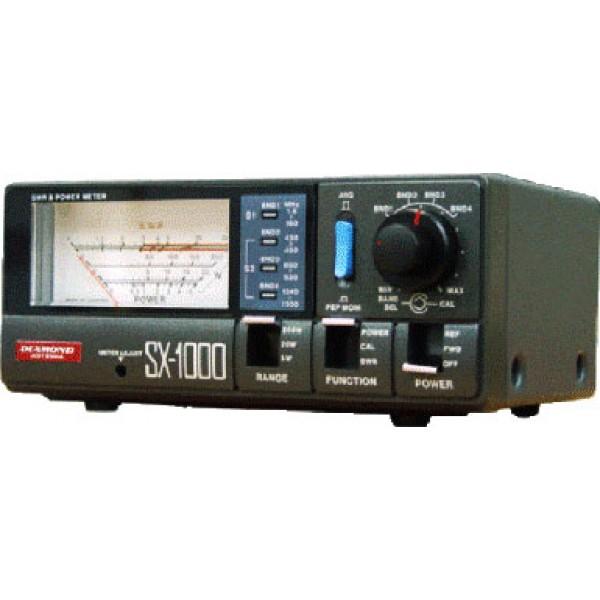 КСВ метр Vega SX-1000SX-1000 Vega - двухдиапазонный полупрофессиональный измеритель КСВ с аналоговым стрелочным индикатором. Работает КСВ-метр в диапазонах 1,8-160 МГц и 430-1300 МГц. Для каждого диапазона есть по два разъема на задней панели (для антенны и радиостанции). Прибор имеет возможность измерять мощность сигнала в диапазонах 0-5 /20 /200 /400 Вт. При измерении мощности есть режимы отображения пиковых и усредненных значений. Точность измерений прибора ±5 /7.5 /10 /12.5% в зависимости от верхнего предела измерения мощности.<br><br>Вес кг: 0.60000000