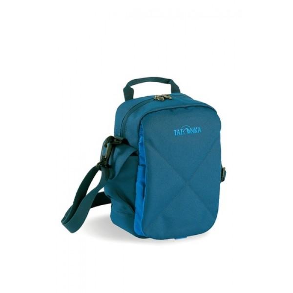 Сумка Tatonka Check In XT shadow blueИдеальная сумочка для хранения документов и полезных мелочей в путешествии. Check In XT , которую можно носить как на плече, так и на поясе, располагает большим основным отделением с двумя молниями , множеством кармашков и мини-органайзером. Крышка-клапан фиксируется фастексом.<br><br>Вес кг: 0.30000000