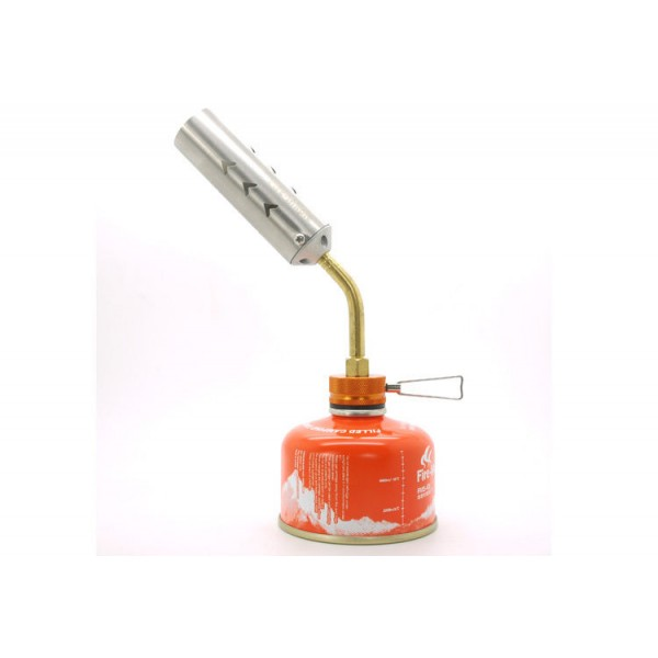 Резак газовый Fire-Maple Torch FMS-706FMS-706 TORCH - высокомощный газовый резак для разведения огня в костре, мангале или барбекю. Данный продукт предназначен для использования только на природе, пожалуйста, не используйте его в помещении, палатке или транспорте, так как сила пламени этого резака может представлять угрозу для жизни. Даже при использовании на улице убедитесь, что вы используете прибор на открытом пространстве и вокруг вас достаточно свежего воздуха. Держать в местах, недоступных для детей! Пламя очень интенсивно, температура в центре пламени может достигать 1300°С. Основание резака выполнено в ярком оранжевом цвете Fire-Maple. Большая трубка подачи огня очень удобна в использовании. Лаконичный дизайн и отличные характеристики. Газовый резак FMS-706 TORCH снабжен ниппелем, особой системой предотвращения потери топлива при многократном подсоединении и отсоединении сменного картриджа. Это позволяет в разы снизить расход жизненно необходимого топлива в путешествии. Эта модель отлично подходит для использования с резьбовыми сменными картриджами любых типов. Возможно подсоединение к цанговому баллону при помощи адаптера FMS-701. Простой неприхотливый газовый резак FMS-706 TORCH отличается особой прочностью и удобством. Его также можно использовать для ремонтных работ.<br><br><br><br>Модель производится с 2009 года.<br><br>Вес кг: 0.20000000