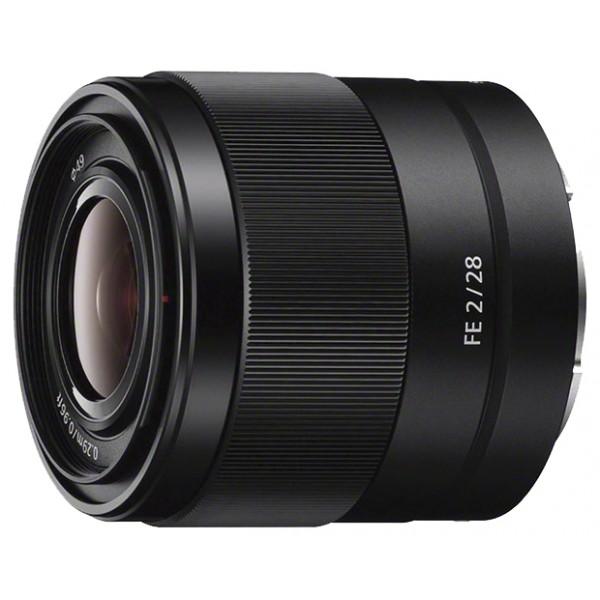 Объектив Sony FE 28mm f/2 (SEL28F20)широкоугольный объектив с постоянным ФР, крепление Sony E, автоматическая фокусировка, минимальное расстояние фокусировки 0.29 м, размеры (DхL): 64x60 мм, вес: 200 г<br><br>Вес кг: 0.40000000