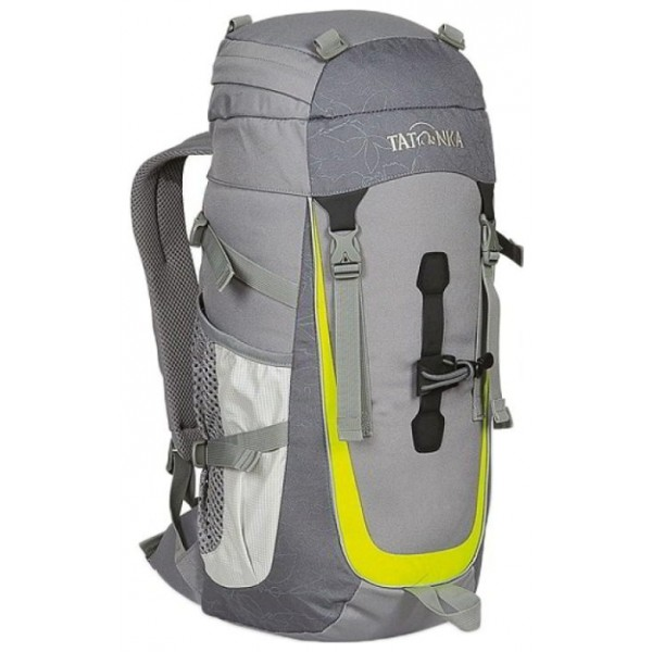 Рюкзак Tatonka Baloo 22 carbonНастоящий треккинговый рюкзак для детей старше 10 лет. По оснащению Baloo ни в чем не уступает взрослым треккинговым рюкзакам. Система подвески и спинка с мягкой подкладкой специально разработаны с учетом детской анатомии.<br><br><br>Подвеска Padded Back и спинка с мягкой подкладкой.<br><br>Мягкие лямки.<br><br>Боковые стяжки.<br><br>Петля для кркепления палок.<br><br>Нагрудный и поясной ремни.<br><br>Боковые карманы.<br><br>Светоотражающие вставки.<br><br>Вес кг: 0.70000000