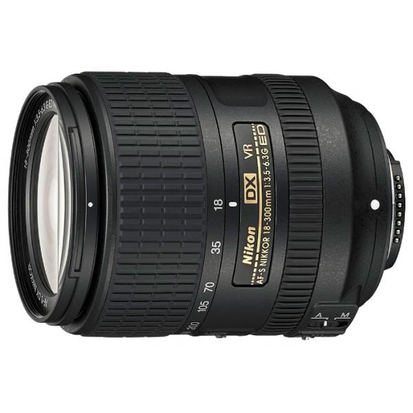 Объектив Nikon 18-300mm f/3.5-6.3G ED AF-S VR DXстандартный Zoom-объектив, крепление Nikon F, встроенный мотор, для неполнокадровых фотоаппаратов, встроенный стабилизатор изображения, автоматическая фокусировка, минимальное расстояние фокусировки 0.48 м, размеры (DхL): 78.5x99 мм<br><br>Вес кг: 0.60000000