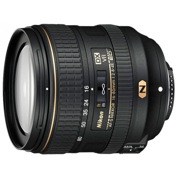 Объектив Nikon 16-80mm f/2.8-4E ED VR AF-S DX Nikkorстандартный Zoom-объектив, крепление Nikon F, встроенный мотор, для неполнокадровых фотоаппаратов, встроенный стабилизатор изображения, автоматическая фокусировка, минимальное расстояние фокусировки 0.35 м, размеры (DхL): 80x85.5 мм, вес: 480 г<br><br>Вес кг: 0.60000000