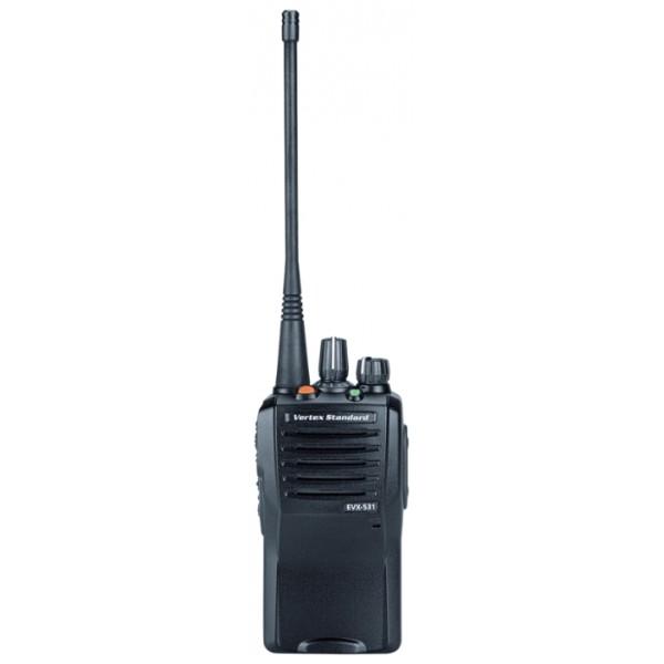 Радиостанция Vertex EVX-531 (136-174/403-407/450-520Mhz) (LI-ION 1380 mAH)рация UHF, мощность передатчика 5 Вт, питание Li-Ion-аккумулятор, количество каналов 32, кодирование CTCSS, DCS, подключение гарнитуры<br>