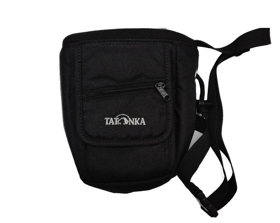 Сумка Tatonka Chalk Pouch blackTatonka Chalk Pouch сумочка для магнезии. Имеется длинный регулируемый ремень для ношения через плечо, но может закрепляться и на поясном ремне рюкзака при помощи карабина. Для комфорта транспортировки присутствует регулируемый ремень, стоит отметить, что с помощью карабина его можно закреплять на поясном ремне рюкзака.<br><br>Вес кг: 0.20000000