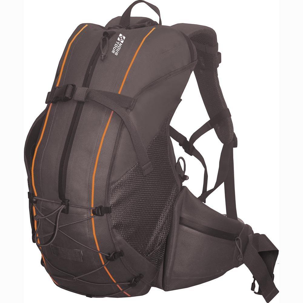 Рюкзак Nova Tour Саламандра 45Легкий водонепроницаемый рюкзак с полноценным поясным ремнем для удобства переноски тяжелого груза. Для 100% гарантии герметичности молнии карманов и входа в основное отделение сделаны водонепроницаемыми. Если что-либо не поместилось в рюкзак, не беда, на фронтальной части, помимо кармана, находятся дополнительные узлы крепления в виде эластичного шнура и стропы с фастексом, а по бокам расположены объемные сетчатые карманы.<br><br>Вес кг: 1.20000000