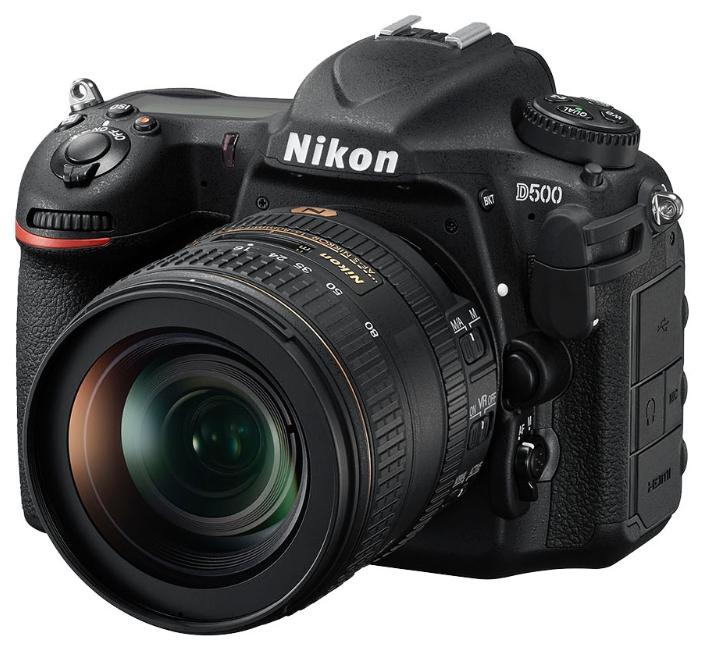Фотоаппарат Nikon D500 kit AF-S 16-80 DX зеркальныйНепревзойденная мощность — гибкие возможности формата DX. Расширяйте возможности съемки с фотокамерой D500.<br><br>Фотокамера D500, младшая сестра флагманской модели Nikon D5 формата FX, демонстрирует непревзойденное сочетание мощности и точности. Разработанная корпорацией Nikon 153-точечная система АФ нового поколения позволяет работать в самых разных условиях съемки. Новая матрица и датчик для замера экспозиции обеспечивают исключительно точное распознавание объектов съемки и деталей изображения. Скорость съемки может составлять до 10 кадров в секунду, а быстрый буфер памяти позволяет снять до 200 изображений в формате NEF (RAW) в одной высокоскоростной серии. Сочетание этих двух факторов означает, что в течение 20 секунд вы можете получать изображения максимального качества. Для видеооператоров, стремящихся к совершенству, подойдет встроенный режим D-видео, благодаря которому прямо в фотокамере можно записывать видеоролики в формате 4K/UHD длительностью до 29 минут 59 секунд.<br><br>Вес кг: 0.80000000