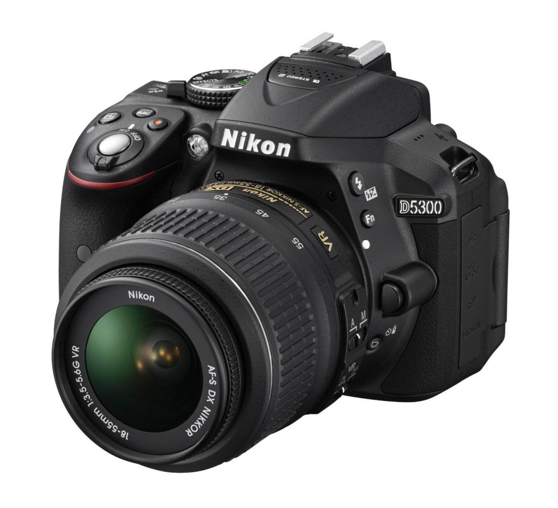 Фотоаппарат зеркальный Nikon D5300 Kit 18-55mm VR AF-PРаскройте свой творческий потенциал с простой в использовании фотокамерой D5300.<br><br>Эта великолепная 24,2-мегапиксельная фотокамера формата DX, оснащенная встроенными модулями Wi-Fi и GPS, позволяет создавать невероятно четкие изображения, отражающие уникальное видение фотографа, и обмениваться ими с другими.<br><br>Благодаря наличию функции Wi-Fi фотокамеру можно подключить непосредственно к интеллектуальному устройству и поделиться полученными фотографиями сразу же после съемки. С помощью функции GPS к фотографиям можно добавлять информацию о месте съемки. Вы сможете делиться впечатлениями о своих путешествиях и привязывать фотографии к картам мира.<br><br>Кроме того, наличие большого экрана с переменным углом наклона позволяет с легкостью вести фото- и видеосъемку с неожиданных ракурсов, а превосходная производительность при недостаточном освещении (поддерживается расширение до 25 600 единиц ISO) обеспечивает резкость изображений во время съемки в темноте.<br><br>Вес кг: 0.50000000
