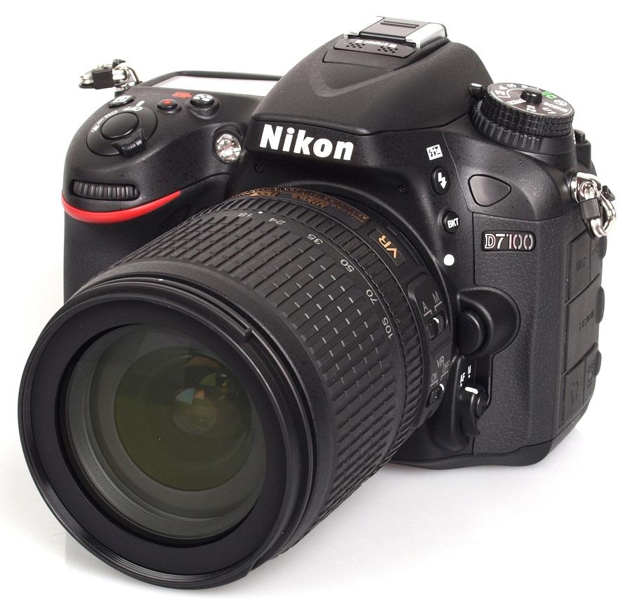 Фотоаппарат Nikon D7100 Kit AF-P 18-55 VR зеркальныйNikon D7100, многофункциональная, чрезвычайно легкая и компактная модель, которая заключена в прочный корпус, имеет матрицу формата DX высочайшего качества и позволяет достичь новых высот мастерства в области фотосъемки. Не задействуя оптический низкочастотный фильтр (OLPF), фотокамера D7100 по максимуму использует 24,1-мегапиксельную КМОП-матрицу формата DX для обеспечения впечатляюще высокого разрешения и исключительной четкости даже текстур с мельчайшими деталями. Ее система автофокусировки (АФ) с 51 точкой обеспечивает быструю и сверхточную съемку изображений на профессиональном уровне.<br><br>Вес кг: 0.70000000