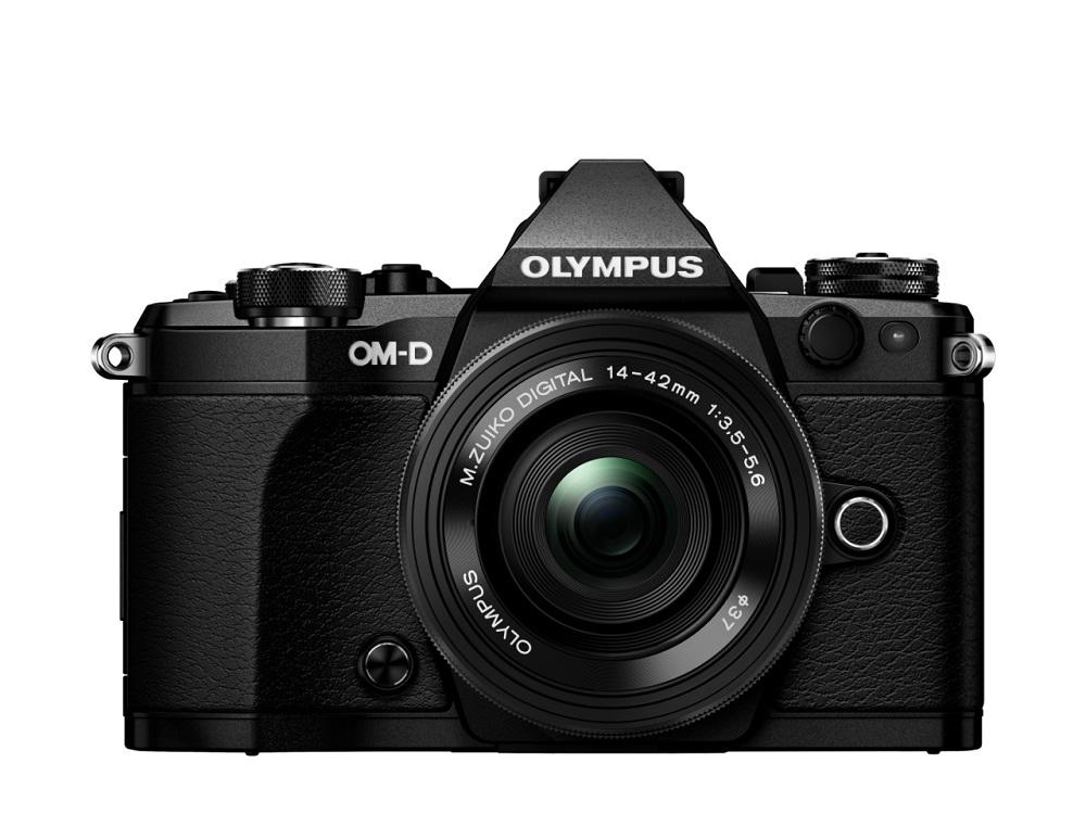 Фотоаппарат Olympus OM-D E-M5 Mark II Kit 14-42 EZ black со сменной оптикойФотоаппарат Olympus OM-D E-M5 Mark II. Лучший в мире стабилизатор изображения идеально подходит для съемки четких фотографий и видеороликов при недостаточном освещении и без штатива. Вперед, назад, вправо, влево...куда бы не двигалась камера, встроенный 5-осевой стабилизатор предотвратит появление размытий. Он даже позволит получать четкую картинку в видоискателе для точного кадрирования.<br><br>Уникальная технология OLYMPUS, позволяющая вам задать камере произвести серию снимков с небольшим смещением точки фокусировки, чтобы вы могли тонко управлять фокусировкой и получить великолепные макроснимки и крупные планы.<br><br>Новая функция синхронизации звука автоматически синхронизирует звук со встроенного микрофона камеры со звуком, записанным на диктофон OLYMPUS LS-100 для обеспечения идеального звучания всех ваших видеозаписей.<br><br>LCD-дисплей можно повернуть под любым углом, и вы сможете снимать невероятные видео. Управляйте микрофоном и таймером с дисплея или воспользуйтесь цифровым уровнем.<br><br>Чем выше разрешение, тем лучше отображаются мелкие детали. Поэтому камера E-M5 Mark II поддерживает разрешение снимков до 40 Мп. Сделайте 9 последовательных снимков и объедините их в один. Этот способ идеален для фотографирования предметов искусства, пейзажей и многого другого!<br><br>олный контроль над съемкой: управляйте камерой удаленно и без проводов с помощью смартфона. Благодаря поддержке Wi-Fi камерой E-M5 Mark II, вы можете выставить светосилу, скорость затвора и иные настройки без необходимости прикасаться к камере. Используйте приложение OLYMPUS Image Share для телефона и мгновенно загружайте фото в социальные сети.<br><br>Откройте для себя компактную систему объективов, которая подарит вам свободу: система OLYMPUS Микро 4/3, которая насчитывает более 40 объективов. Многие из них защищены от пыли, брызг и низких температур. Великолепное начало вашей художественной истории, от макро и