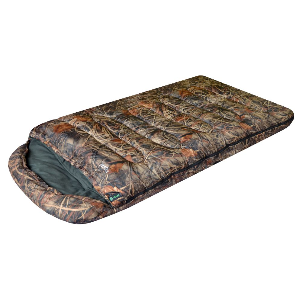 Спальный мешок Prival Берлога II КМФСпальный мешок БЕРЛОГА II КМФ (Prival) – незаменимый туристический спальный мешок для охоты, рыбалки или просто отдыха в холодное время года. Такие характеристики спальному мешку придает объемный утеплитель из овечьей шерсти – шервисин. Это уникальное полотно обладает утепляющими и лечебными свойствами овечьей шерсти, и, в отличие от гусиного пуха, не слеживается после стирки, легче и компактнее, прост в уходе. Также, благодаря увеличенным размерам, этот спальный мешок подойдет высоким или полным людям, а также тем, кто любит спать свободно. Спальный мешок снабжен двухзамковой разъемной молнией, что позволяет быстро и легко соединить его с другим таким же спальником. Имеет сберегающую тепло планку по краям молнии с внутренней стороны. В нижней части спального мешка находятся петли для удобной просушки и хранения.<br><br>Вес кг: 3.20000000