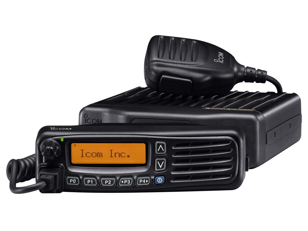 Радиостанция Icom IC-F6061 АвтоIcom IC-F6061 - профессиональная автомобильно-стационарная UHF-радиостанция.<br><br>Литая алюминиевая конструкция специально создана для использования и длительной эксплуатации в жестких условиях. Передняя панель выполнена из ударопрочного поликарбоната. Новый высокопрочный коммуникатор НМ-148 обладает большей надежностью и устойчивостью к силовым нагрузкам, его увеличенные размеры позволяют легко использовать даже в надетых перчатках. Радиостанции отвечают требованиям IP54 защиты от пыли и влаги.<br><br>Съемная передняя панель имеет встроенный 4 Вт динамик и позволяет вынести ее от радиостанции IC F6061 на расстояние до 8 метров. На высококонтрастном ЖК-дисплеи при любых условиях освещенности четко высвечивается все оперативная информация. Благодаря точечной матрице хорошо различимы символы верхнего и нижнего регистров. Информация отображается в одну строку с 12 знаками или в две строки с 24 знаками. Подсветка дисплея стандартного янтарного цвета.<br><br>Вес кг: 1.50000000