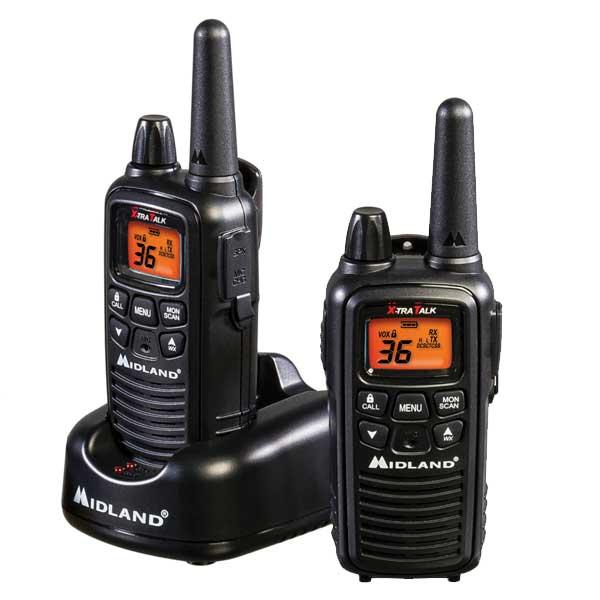 Радиостанция Midland LXT-425 LPD + PMR портативнаяMidland LXT425 – компактная рация для работы в LPD и PMR диапазонах. Модель надежная и простая в управлении, имеет стандартный набор функциональных возможностей (SCAN, MONITOR, Roger Beep, Call, VOX, блокировка клавиатуры) и режим бесшумной работы, который позволяет использовать рацию, отключив всю звуковую индикацию. Источник питания: блок аккумуляторов Ni-MH (в упаковке) или аккумуляторы Ni-MH (3хААА).<br>