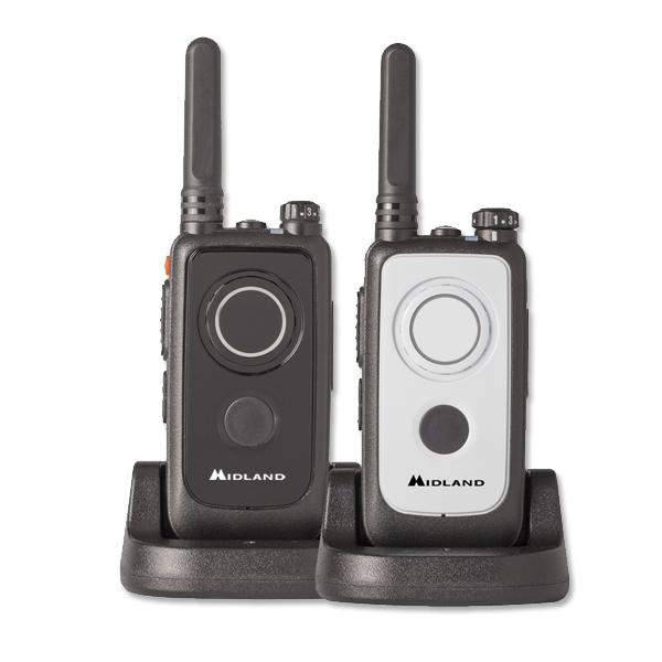 Радиостанция Midland G2 LPD + PMR Комплект из 2штНовая модель MIDLAND в ассортименте безлицензионных портативных раций с возможностью программирования. Корпус MIDLAND G2 имеет стильный современный дизайн со встроенным фонариком. Стандартно расположенную кнопку РТТ дублирует кнопка на передней панели. Такое расположение РТТ привычно для пользователей смартфонов и удобно при пользовании рацией в рукавицах в зимнее время. Минимум органов управления и звуковая индикация обеспечивают простоту и удобство использования рации G2 даже неподготовленными пользователями. Заводские настройки G2 обеспечивают работу в 16 каналах PMR (8 + 8 заранее запрограммированных), с помощью программирования могут быть настроены любые 16 каналов из диапазонов PMR или LPD. Цветные стикеры в комплекте G2 помогут пользователю выделить свое устройство среди других раций.<br><br>Дополнительные возможности:<br><br><br>Time Out Timer - ограничение времени передачи (заводская установка 60 секунд)<br><br>Голосовая индикация номера канала и разряда батареи (английский язык),<br><br>Переключение уровня мощности (H/L),<br><br>Возможность программирования с помощью компьютера (для регулирования основных и дополнительных функциональных возможностей устройства).<br>