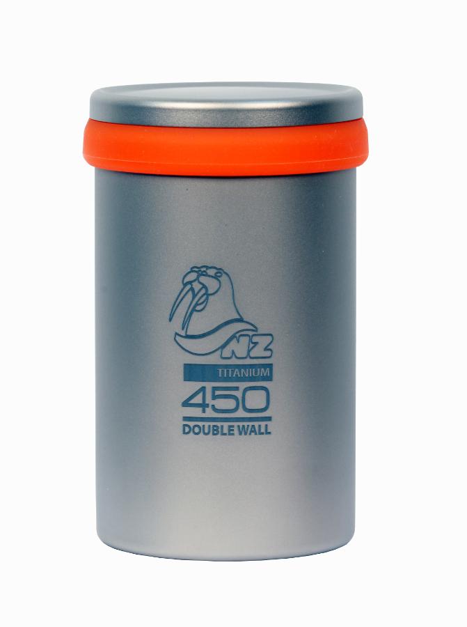 Термостакан NZ TTC-450DW 450мл с крышкой и ситечком титановыйТермостакан из титана объемом 450 мл. Двойные стенки, крышка, ситечко для заваривания чая. Термостакан не обжигает руки и губы, имеет минимальный вес и компактные размеры. Все предметы титановой серии NZ, имеют большие возможности для составления комбинаций наборов посуды.<br><br>Вес кг: 0.23000000