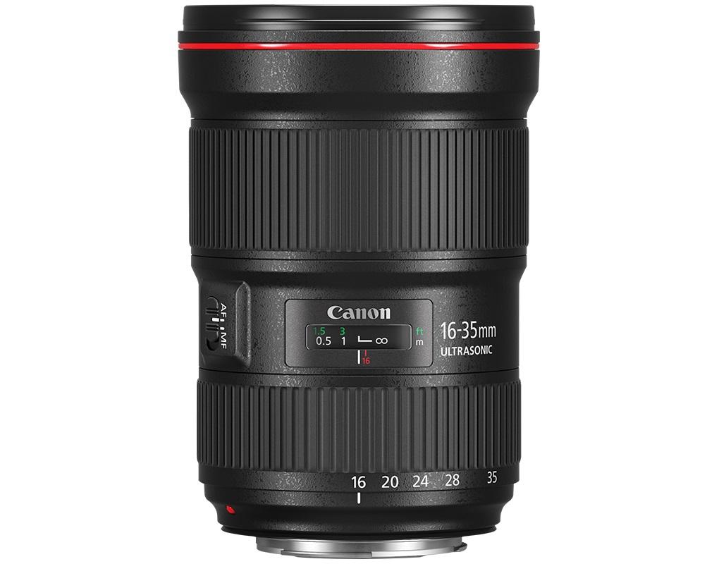 Объектив Canon EF 16-35mm f/2.8L III USMОбновленная версия этого полюбившегося многим фотографам классического широкоугольного зум-объектива обеспечивает потрясающую резкость во всем диапазоне зумирования.<br><br>EF 16-35mm f/2.8L III USM — это сверхширокоугольный зум-объектив премиум-класса с постоянной максимальной диафрагмой f/2.8, предназначенный для обеспечения высочайшего качества изображения даже при слабом освещении.<br><br>Двухповерхностные линзы большого диаметра (GMo) и сверхнизкая дисперсия помогают значительно снизить хроматическую аберрацию и устранить искажение изображений. Кроме того, усовершенствованное покрытие Air Sphere Coating и покрытие с субволновой структурой сокращают паразитную засветку и блики, позволяя снимать даже в условиях нестабильного освещения.<br><br>Большая диафрагма f/2.8 позволяет получить достаточный уровень освещенности, а 9-лепестковая диафрагма с круглым отверстием обеспечивает потрясающую глубину резкости.<br><br>Прочная и надежная конструкция объектива EF 16-35mm f/2.8L III USM с защитой от погодных условий позволяет ему выдерживать самые суровые условия съемки при профессиональном использовании.<br><br>EF 16-35mm f/2.8L III USM обладает ультразвуковым мотором кольцевого типа и мощным процессором, которые обеспечивают более быструю фокусировку.<br><br>Покрытие с субволновой структурой и покрытие Air Sphere Coating позволяют предотвратить паразитную засветку и блики.<br>