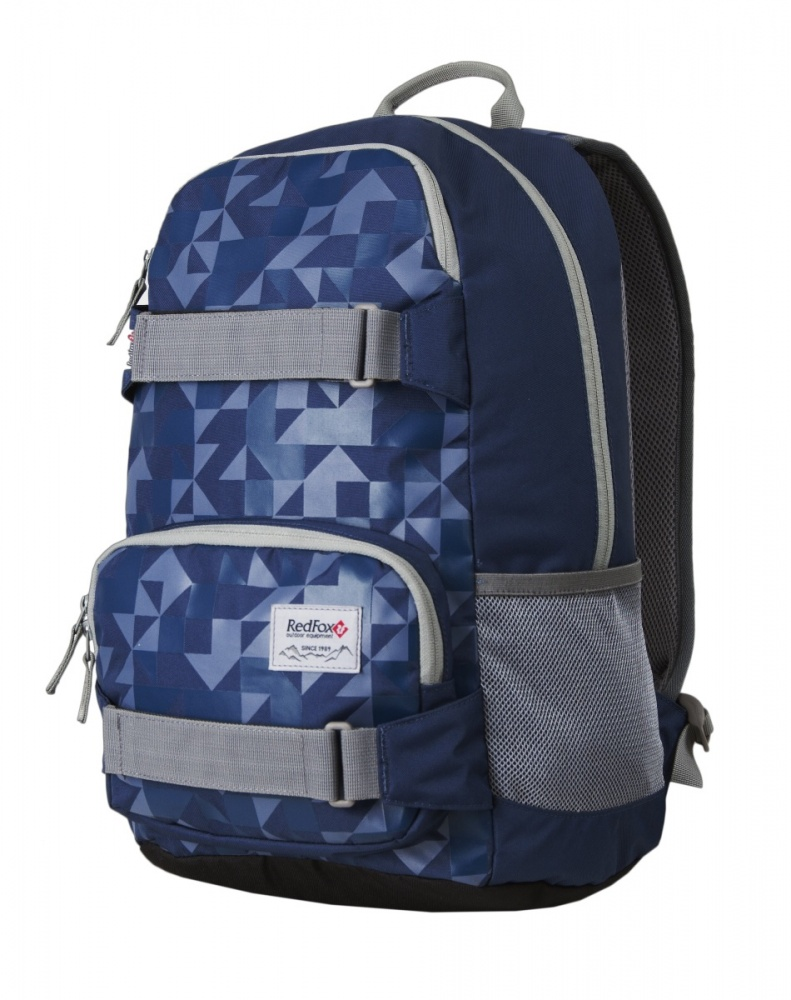 Рюкзак RedFox Street 25 V2Street 25 – стильный городской рюкзак среднего объема.<br><br><br>подвесная система Active<br><br>три отделения разного объема на молнии<br><br>мягкое отделение для ноутбука<br><br>смягчающая вставка на дне рюкзака<br><br>боковые стяжки<br><br>широкая мягкая ручка<br><br>органайзер<br><br>карабин для ключей<br>