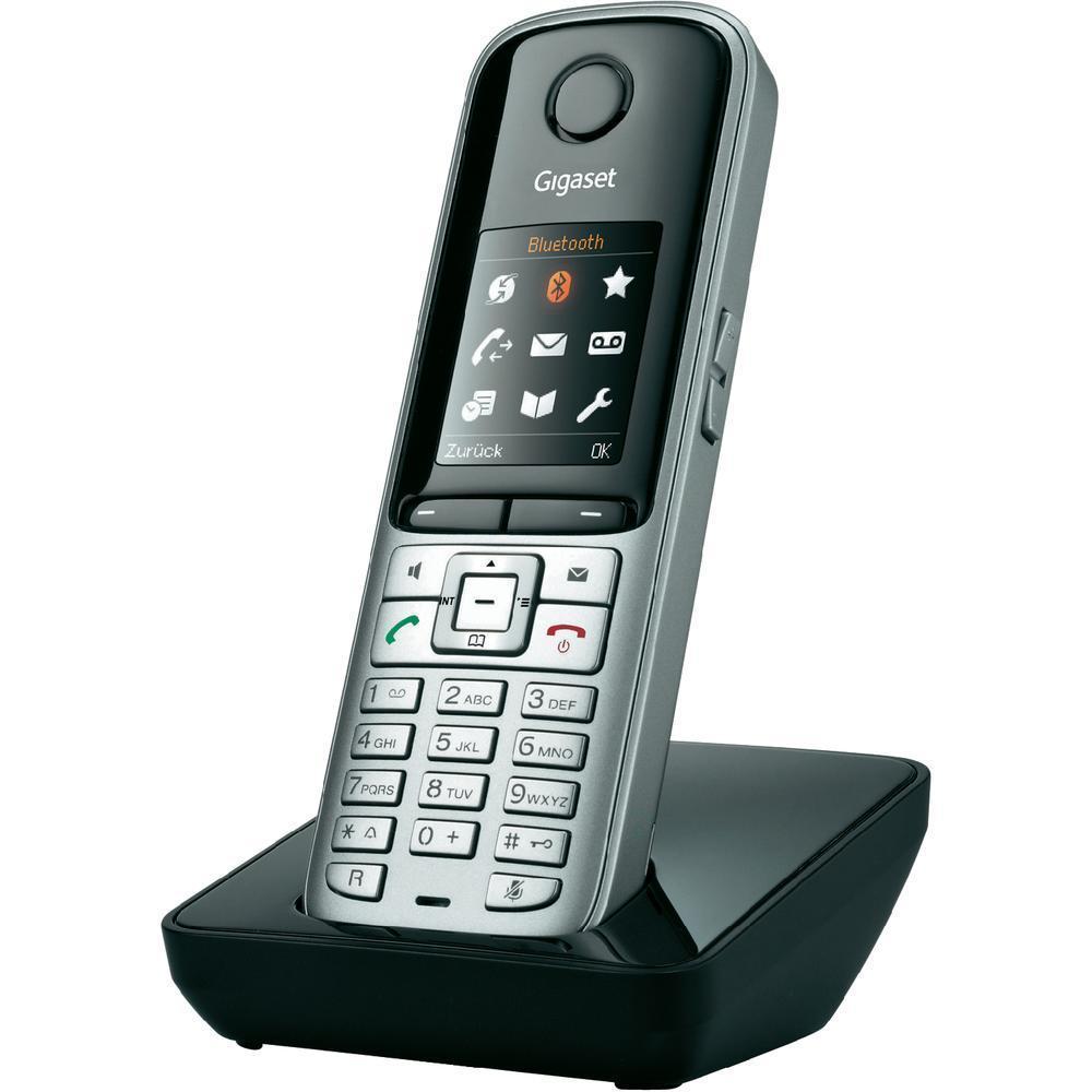 Дополнительная трубка Gigaset S810HGigaset S810H - Дополнительная трубка для N720 PRO, HSP, ECO.<br><br><br>Bluetooth-подключение для связи при помощи гарнитуры «наушники+микрофон»<br><br>Адресная книга, вмещающая до 500 записей в формате V-card<br><br>Большой TFT-дисплей с современным интерфейсом<br><br>Стандарты: DECT, GAP<br><br>Высокое качество звука (технология HSP™)<br><br>Высококачественная громкая связь (активируется подсвечиваемой клавишей вызова/включения громкой связи; доступно 5 уровней регулировки громкости)<br><br>20 мелодий вызова<br><br>Сигнал подтверждения нажатия клавиш и уведомления о низком уровне заряда аккумуляторов<br><br>Вес кг: 0.30000000