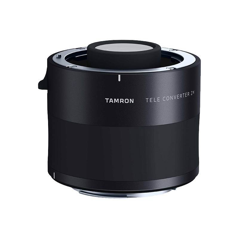 Телеконвертер Tamron TC-X20E 2.0x CanonКонвертер, созданный специально для новых объективов Tamron SP 150-600mm F/5-6.3 Di VC USD G2 (A022) и SP 70-200mm f/2.8 Di VC USD G2 (A025). Увеличивает фокусное расстояние в 1.4 раза, снижая светосилу объектива на 1 ступень. Автоматическая фокусировка остается доступной (в зависимости от камеры и объектива). Конвертер использует то же просветляющее покрытие BBAR, что и сам объектив - это исключает цветовые искажения и минимизирует вероятность появления ореолов и бликов. Оптический стабилизатор работает так же эффективно, а кроме того сохраняется пыле- и влагозащита объектива и камеры. Корпус телеконвертера выполнен из алюминия, байонетное крепление со стороны камеры - из нержавеющей стали, со стороны объектива - из латуни.<br><br>Вес кг: 0.40000000