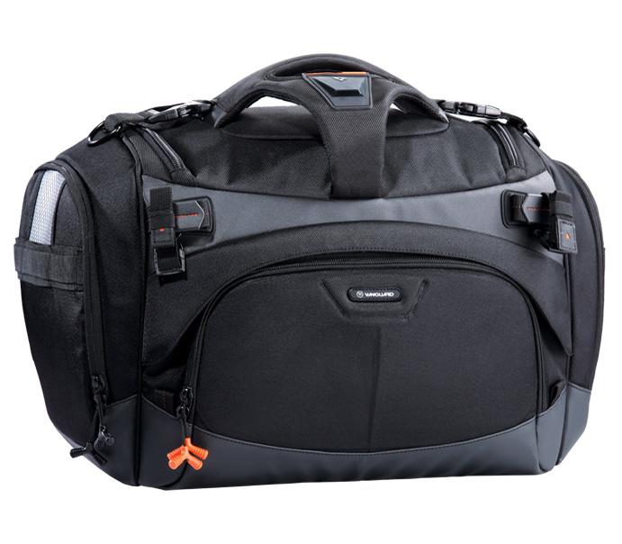 Сумка Vanguard Xcenior 41Большая вместимость сумок этой серии позволяет легко уложить всё необходимое оборудование. Инновационная многоуровневая система хранения и демпфирующее удары дно обеспечивают непревзойдённую надёжность. Даже фотографы, имеющие очень плотный график съёмок, могут без проблем делать снимок за снимком - съёмочная техника и аксессуары всегда под рукой. Высокий уровень безопасности и повышенная комфортность выделяют серию сумок Xcenior как одну из лучших на рынке. Плотный, влагостойкий материал на дне сумки предохраняет оборудование от воды и грязи, а формованные полимерные вставки создают жёсткость конструкции. Предусмотрена система крепления штатива. С её помощью на сумках Xcenior можно безопасно закрепить даже полноразмерный штатив.<br><br>Внутреннее пространство моделей Xcenior легко и быстро трансформируется. Используя мягкие перегородки и ремни с «липучками», фотограф может адаптировать его под свои конкретные задачи, в зависимости от предстоящей съёмки и переносимого оборудования. Многочисленные внешние и внутренние карманы служат для хранения аксессуаров. Предусмотрены отдельный чехол под мелкие принадлежности и карман для карт памяти. Боковая подвесная система позволяет прикрепить к сумке объектив в чехле и небольшой футляр. Накидка от дождя удобно складывается и её можно быстро достать в случае необходимости. Безопасность является одним из главных приоритетов серии Xcenior. Чтобы Вы всегда были уверены в безопасности своего оборудования, крышка сумки закрывается на три надёжных замка. Модели Xcenior комфортно и удобно носить даже при полной загрузке. Нескользящий плечевой ремень равномерно распределяет вес на плечо, а мягкая Т-образная ручка обеспечивает удобную переноску.<br><br>Вес кг: 3.00000000