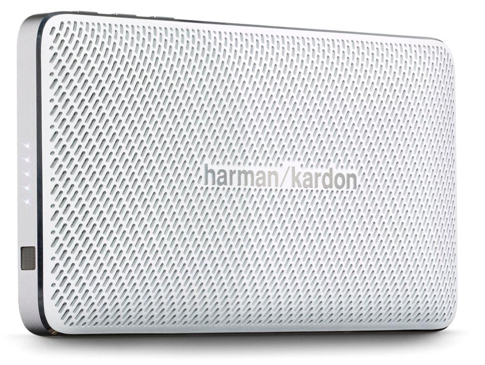 Колонка портативная Harman/Kardon Esquire Mini GrayЭлегантность, изысканность и портативность, чтобы всегда соответствовать вашему стилю. Harman Kardon Esquire Mini воплощает изысканность и мобильность в элегантном алюминиевом корпусе с отделкой из натуральной кожи. В дизайне сделан акцент на знаменитый знак «/», используемый в логотипе премиального бренда: его повторяет узор на керамическом гриле и хромированная вставка на обратной стороне, которая также может служить подставкой. Использование материалов наивысшего качества по праву позволяет считать Esquire Mini престижным аксессуаром путешественника. Узнаваемый стереозвук Harman Kardon обеспечивают два высококачественных динамика с номинальной мощностью 4 Вт каждый, с диапазоном воспроизводимых частот от 180 Гц до 20 кГц. Фазоинвертор увеличивает интенсивность низких частот. По глубине, мощности и чистоте воспроизведения это сверхкомпактное устройство претендует на лучший звук в своем классе. Несмотря на небольшие размеры корпуса (140 x 24 x 75 мм), новинка удивляет широким функционалом. Благодаря интерфейсу Bluetooth, двум встроенным микрофонам и фирменной системе шумо- и эхоподавления SoundClear, Esquire Mini является отличным решением не только для прослушивания музыки, но и для организации конференц-связи.<br><br>Натуральная кожа, полированный алюминий, керамика – всё это чтобы создать шедевр в мире портативности – аксессуар, который способен говорить сам за себя – в буквальном смысле. Harman Kardon Esquire Mini является одновременно тонким и прочным. Акустическую систему очень удобно брать с собой в путешествия или поездки. Благодаря тонкому корпусу Esquire Mini поместится в любую сумочку или карман.<br><br>Harman Kardon Esquire Mini предлагает наилучшее качество звука в своей категории. Мощный звук в компактном корпусе? Это как раз то, чем славится Harman Kardon.<br><br>Вес кг: 0.30000000