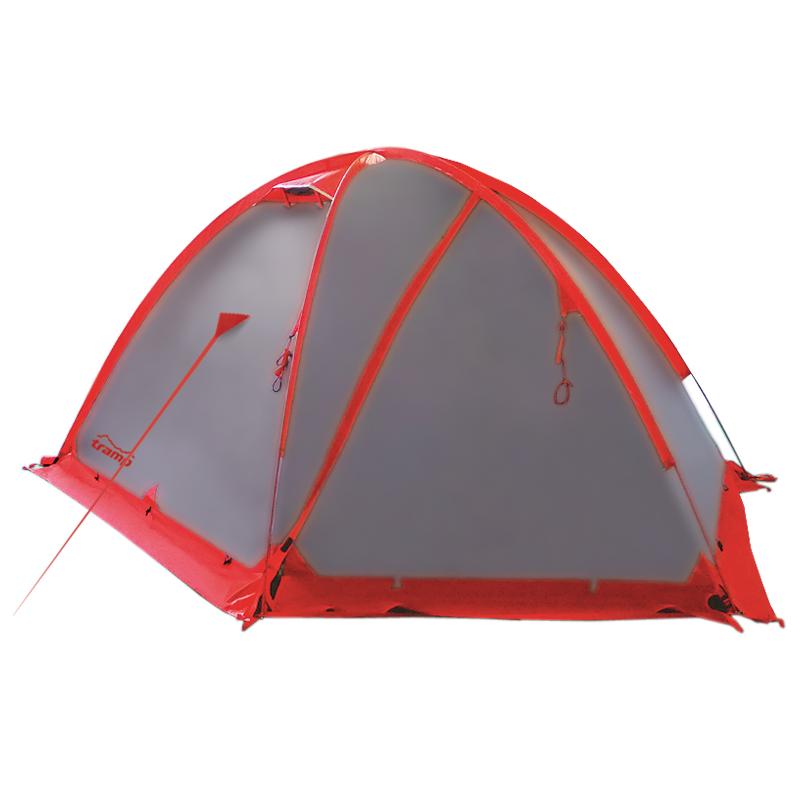 Палатка Tramp Rock 3 экстремальная, цвет серыйTramp Rock 3 - трехместная палатка от «Tramp», рассчитанная на сложные экспедиции и походы. Модель имеет просторный спальный отсек в форме полусферы с радиусом 1,3 м, рассчитанный на 3 человек. Внешний тент, сделанный из плотной ткани, защитит вас от снега, дождя или ветра. В качестве дополнительного барьера по нижнему краю навеса пришита специальная юбка, а все швы проклеены термоусадочной лентой. Материал не выцветает и не меняет характеристик при длительном нахождении на солнце, так что палатку можно спокойно ставить на открытой местности. Кроме того специальная пропитка тента, которой он полностью обработан, повышает его огнестойкость.<br><br>Войти в палатку можно с двух сторон. В зависимости от способа установки человек попадает в одно большое помещение, образуемое тентом или небольшой косой тамбур, предшествующий спальному отсеку. Последний образует внутренняя палатка с плотным дном и нашитыми изнутри карманами и подвешенной в верхней части купола полки, куда можно поставить фонарь или сложить мелкие предметы. Все проемы продублированы мелкой сеткой, не позволяющей насекомым проникать внутрь.<br><br>Чтобы полотно входа не мешало движению, на тенте предусмотрена удобная система крепления. Когда погода резко портится, можно быстро отцепить их и полностью закрыть палатку. Воздух в таком случае попадает внутрь через вентиляционные клапаны вверху купола. Конструкционные особенности клапанов позволяют открывать их изнутри и не дают проникать осадкам внутрь, сохраняя сухость.<br><br>Для фиксации на поверхности тента равномерно расположено несколько оттяжек, в которые вплетены светоотражающие нити. Это помогает сделать их более заметными в темноте и избежать падения.<br><br>Вес кг: 4.50000000