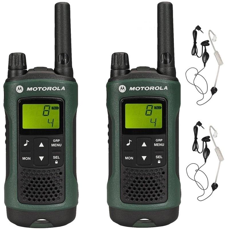 Радиостанция Motorola TLKR-T81 Hunter TWIN в кейсеСтанции Motorola TLKR T81 Hunter Twin обладают модным современным дизайном с обширным набором функций. Это чрезвычайно прочные безлицензионные 2-полосные рации. Прошли сертификацию IPX4: от механических внешних воздействий и проникновения воды. Рации можно и нужно использовать в самых жестоких природных условиях, ради этого они и создавались. Восьми канальные станции интуитивно просты в управлении, диапазон приёма достигает до 10 км, ещё есть интегрированный фонарик. TLKR T81 Hunter Twin имеют вибро звонок и систему VOX что делает станции ещё более практичными.<br><br>Вес кг: 0.20000000