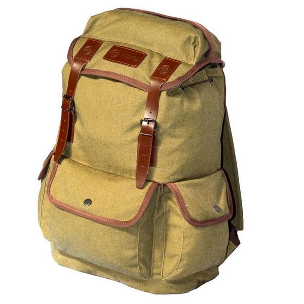 Рюкзак Prival Артек ХакиСтильный, удобный рюкзак&amp;nbsp;АРТЕК&amp;nbsp;городской серии выполненный в винтажном стиле. Рюкзак может быть использован как в городской среде, так и на активном отдыхе - в краткосрочных туристических походах, поездках за город , на пикник.<br><br>Ткань рюкзака - палаточное полотно (100% хлопок), ремешки из натуральной кожи.&amp;nbsp;<br><br>Для усиления водонепроницаемости основная ткань&amp;nbsp;рюкзака&amp;nbsp;&amp;nbsp;продублирована плотной непромокаемой тканью.&amp;nbsp;<br><br>Рюкзак состоит из одного основного отделения в котором расположены два &amp;nbsp;небольших кармашка для мелочей, один из которых на молнии. Снаружи рюкзака имеются три кармана на кнопках: два боковых и один фронтальный. В клапане - небольшой кармашек на молнии. Основное отделение затягивается шнуром с фиксатором.<br>