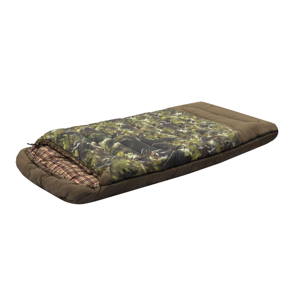Спальный мешок Prival ТаежныйНовинка! Спальный мешок ТАЁЖНЫЙ (Prival) – очень тёплый, широкий, уютный спальный мешок с оригинальным камуфлированным рисунком. Спальный мешок ТАЁЖНЫЙ обеспечит комфорт в туристической поездке, на кемпинге, на семейном отдыхе, а также станет прекрасным подарком любителю активного отдыха, охоты и рыбалки в зимнее время года. Спальный мешок очень тёплый благодаря качественному, экологически чистому утеплителю Лебяжий пласт (силиконизированное волокно). В спальном мешке предусмотрен утепляющий воротник и утепляющая планка молнии, которые обеспечат дополнительную защиту от холода.<br>