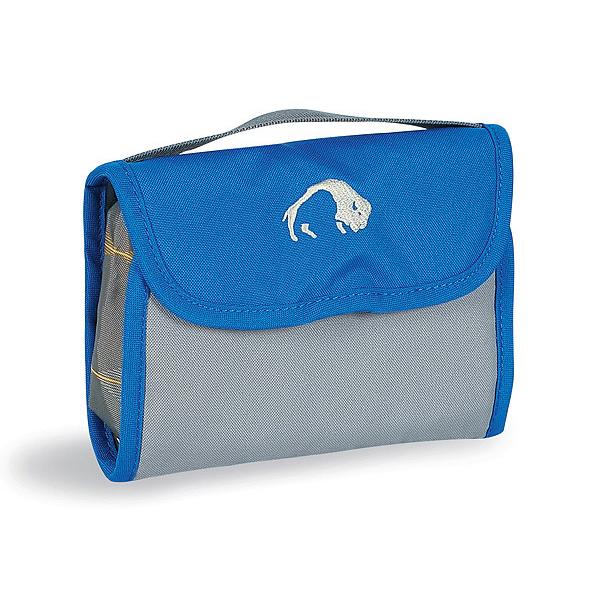 Сумка Tatonka Mini Travelkit blueКомпактная туристическая косметичка Tatonka Mini Travelkit, состоит из двух карманов, двух сетчатых отделений на молнии, ремешка, крючка для подвешивания и держателя резинок для волос. В сумке удобная ручка для переноски.<br><br>Вес кг: 0.10000000