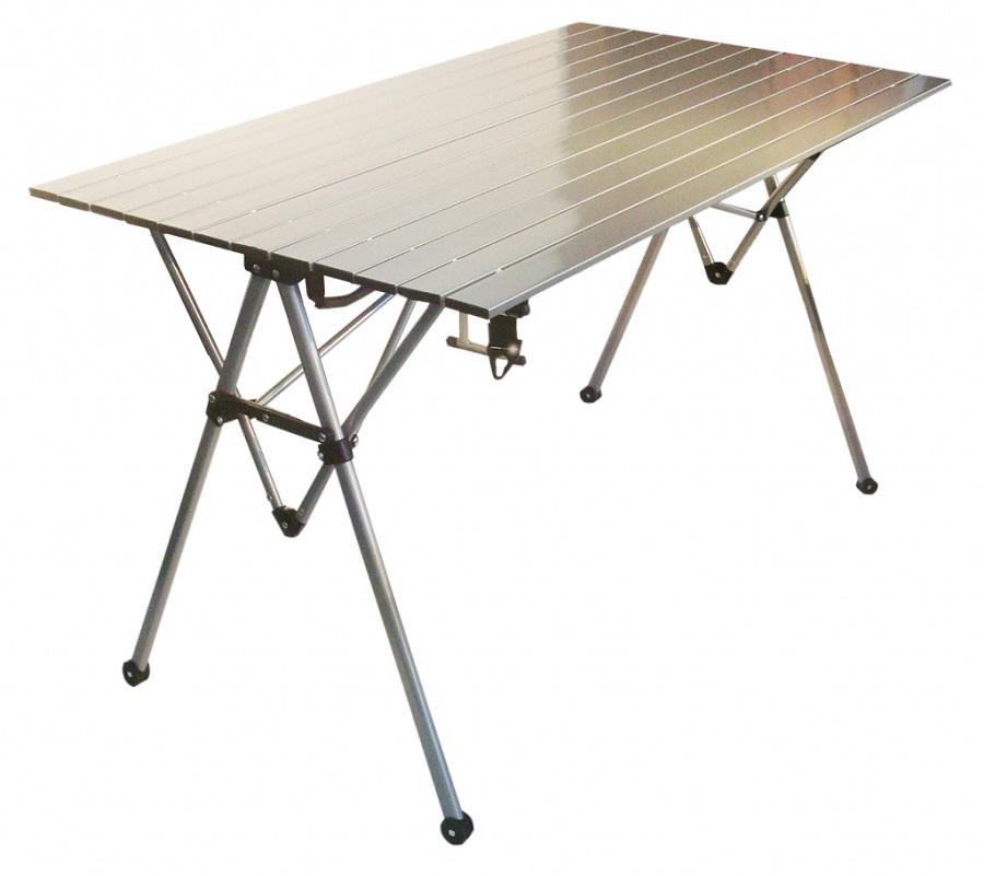 Стол Tramp TRF-034TRF-034 - современный складной алюминиевый столик серебристой расцветки. Модель, наряду с другой туристической мебелью, выпускает компания «Tramp». Столик скрасит отдых небольшой компании, позволяя с большим комфортом готовить или принимать пищу. При этом вес самого стола не превышает 7 кг.<br><br>Столешница состоит из планок, способ крепления которых позволяет свернуть ее в рулон. Это значительно облегчает транспортировку и хранение изделия. Покрытие столешницы устойчиво к механическим повреждениям, не коробится от влаги и некоторых агрессивных веществ, которые могут ходить в состав продуктов. Материал легко мыть и на нем не остается пятен от сока или других подобных загрязнителей. Номинальная высота изделия – 70 см, габариты столешницы – 119 х 70 см. Стол комплектуется удобным чехлом.<br>