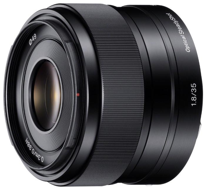 Объектив Sony 35mm f/1.8 (SEL35F18)Компактный и универсальный объектив с фиксированным фокусным расстоянием и большой диафрагмой. Объектив 35 мм с фиксированным фокусным расстоянием, светосилой F1.8 и стабилизацией изображения Optical SteadyShot. Универсальный дискретный объектив с большой диафрагмой F1.8. Легкий и компактный – идеальный дополнительный объектив. Новая оптическая конструкция позволяет создавать четкие и чистые изображения.<br><br>Вес кг: 0.20000000